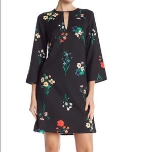 NWT Vince Camuto Black Floral Keyhole Dress